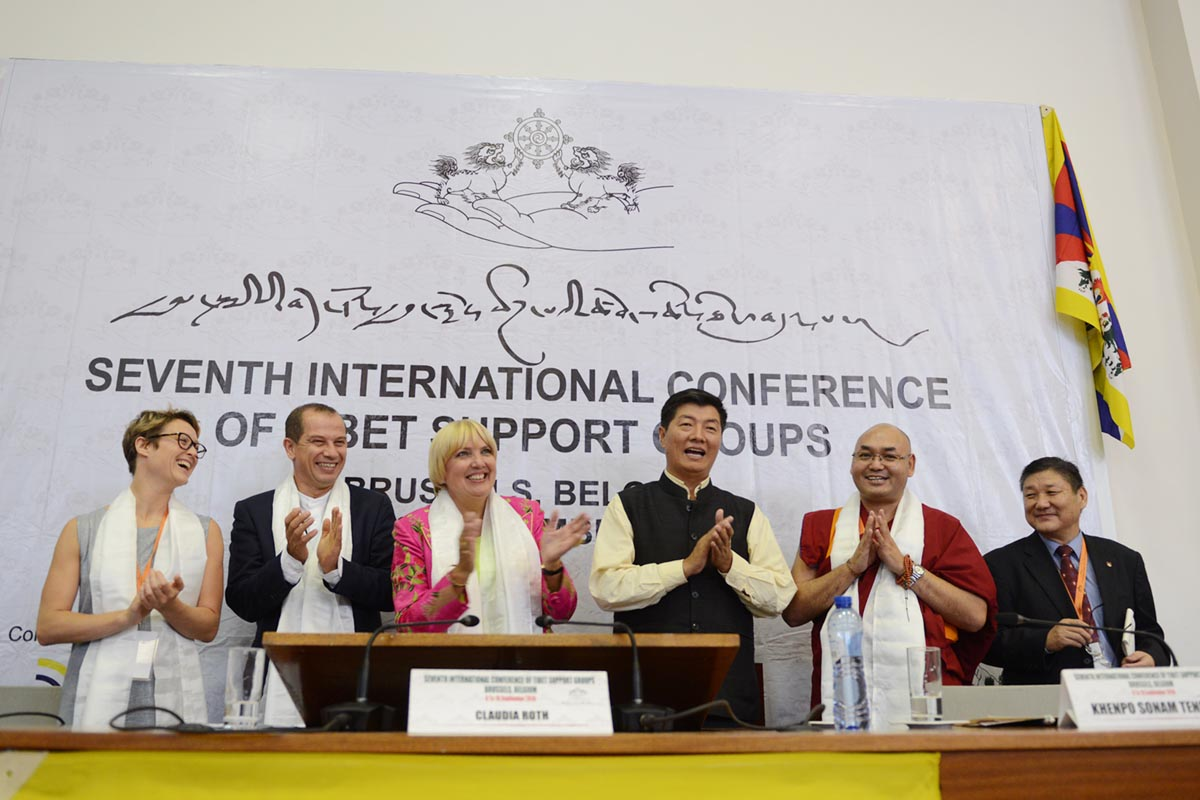 From left: Master of Ceremony, Aurora Delcroix; Member of European Parliament, Csaba Sogor; Vice President of the German Parliament, Claudia Roth; Sikyong of the Central Tibetan Administration, Lobsang Sangay; Speaker of the Tibetan Parliament-in-exile, Khenpo Sonam Tenphel; and, Secretary of the Department of Information and Internatinal Relations, CTA, Sonam Norbu Dagpo, after the closing session of the Seventh Tibet Support Groups Conference in Brussels, Belgium, on 10 September 2016.
